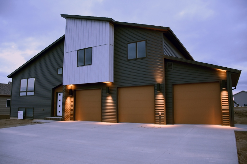 knudsen loop modern by Vetter Homes